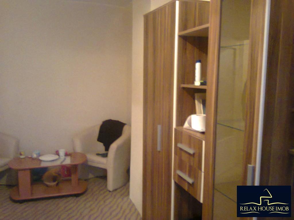 Apartament 2 camere confort 1 decomandat , in Ploiesti, zona Vest, pe Aleea Varbilau-17827-1