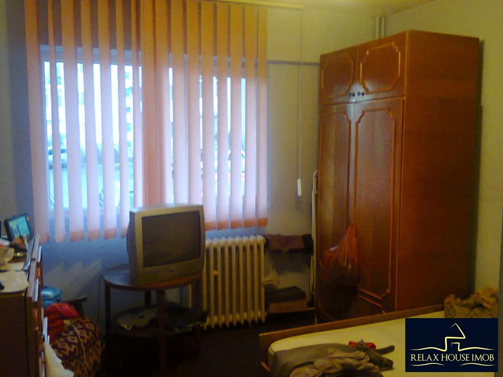 Apartament 2 camere confort 1 decomandat , in Ploiesti, zona Vest, pe Aleea Varbilau-17827-3