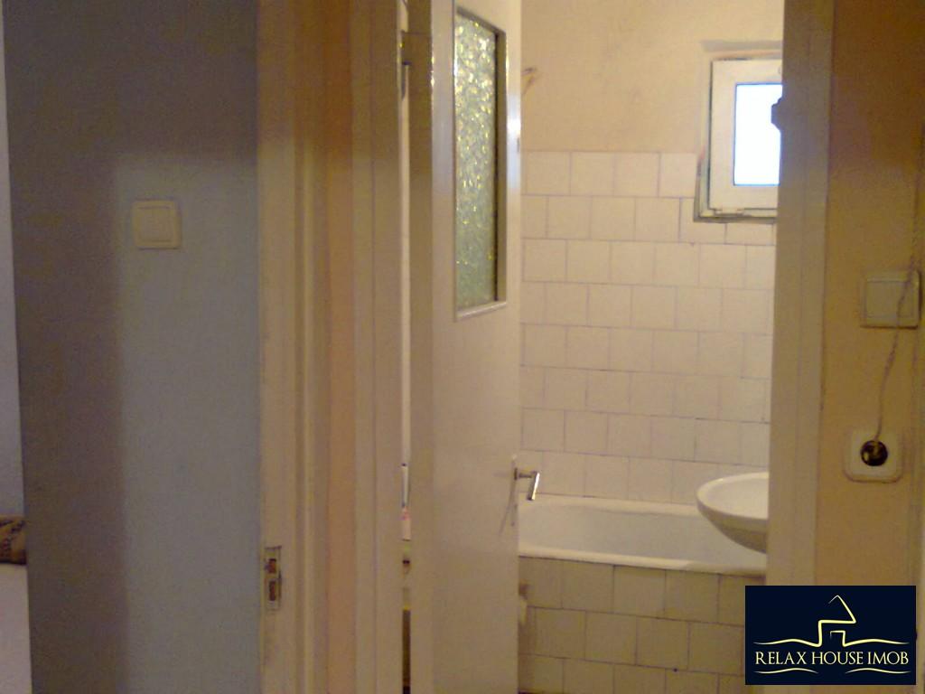 Apartament 2 camere confort 1 decomandat , in Ploiesti, zona Vest, pe Aleea Varbilau-17827-5
