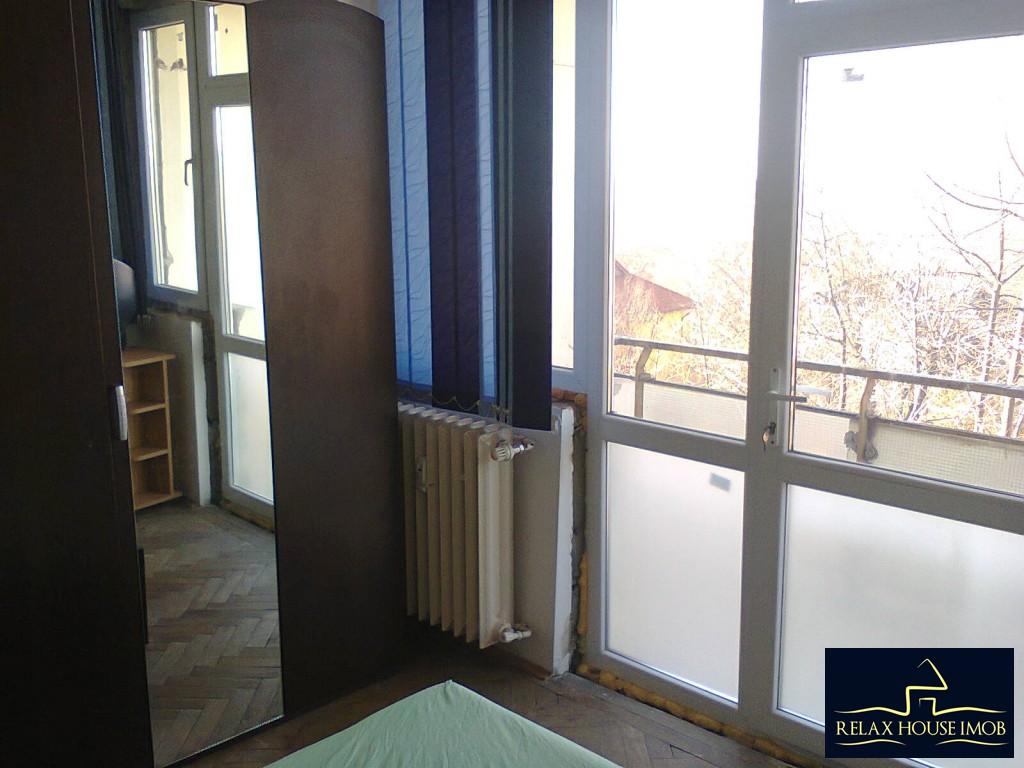 Apartament 3 camere semidecomandat, in Ploiesti, zona Nord, strada Cameliei-17850-3