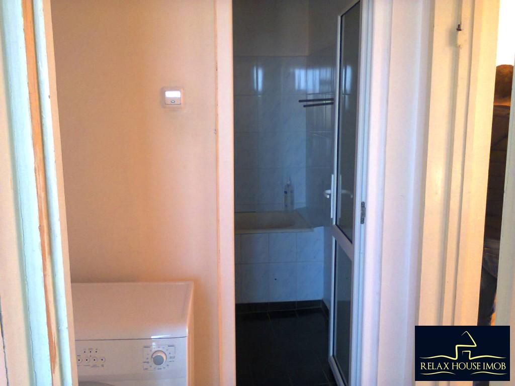 Apartament 3 camere semidecomandat, in Ploiesti, zona Nord, strada Cameliei-17850-6