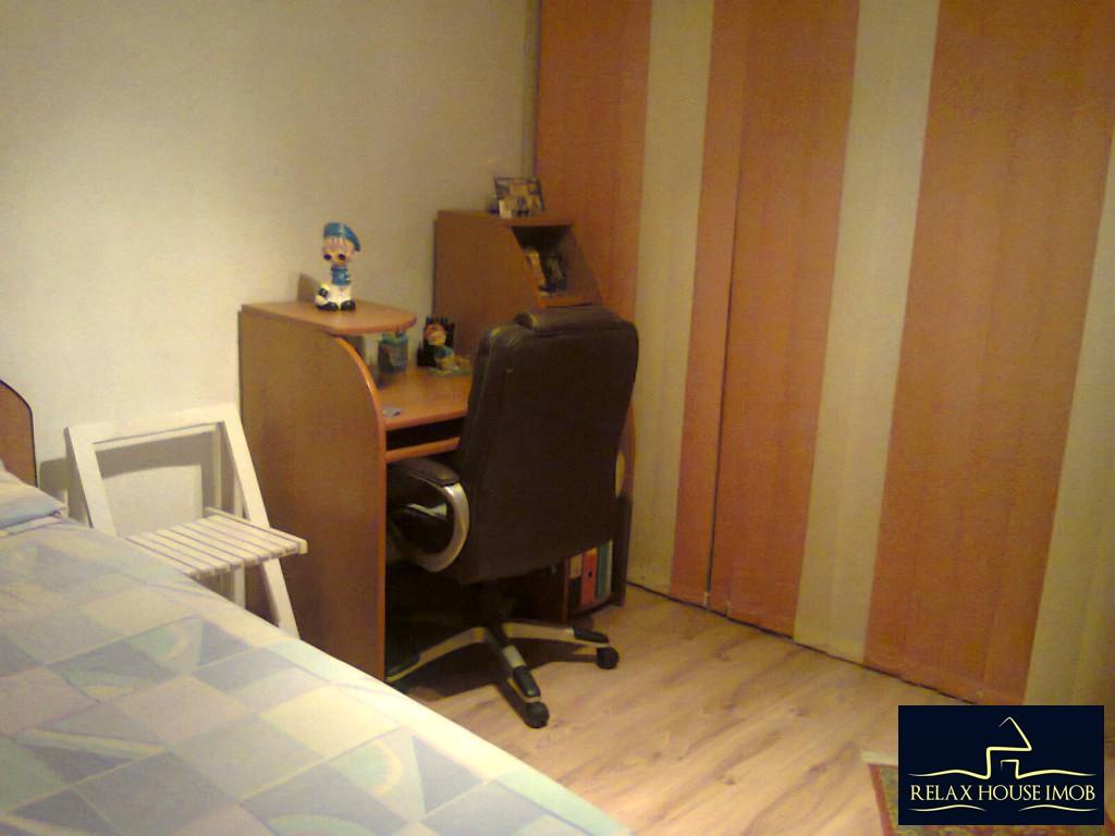 Apartament 3 camere confort 2A semidecomandat, in Ploiesti, zona Malu Rosu - Deltei-17860-4