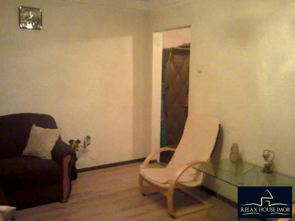 Apartament 3 camere confort 2A semidecomandat, in Ploiesti, zona Malu Rosu - Deltei-17860-0