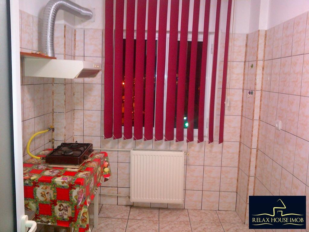 Apartament 2 camere confort 1 semidecomandat, in Ploiesti, zona Malu Rosu stradal-17686-8
