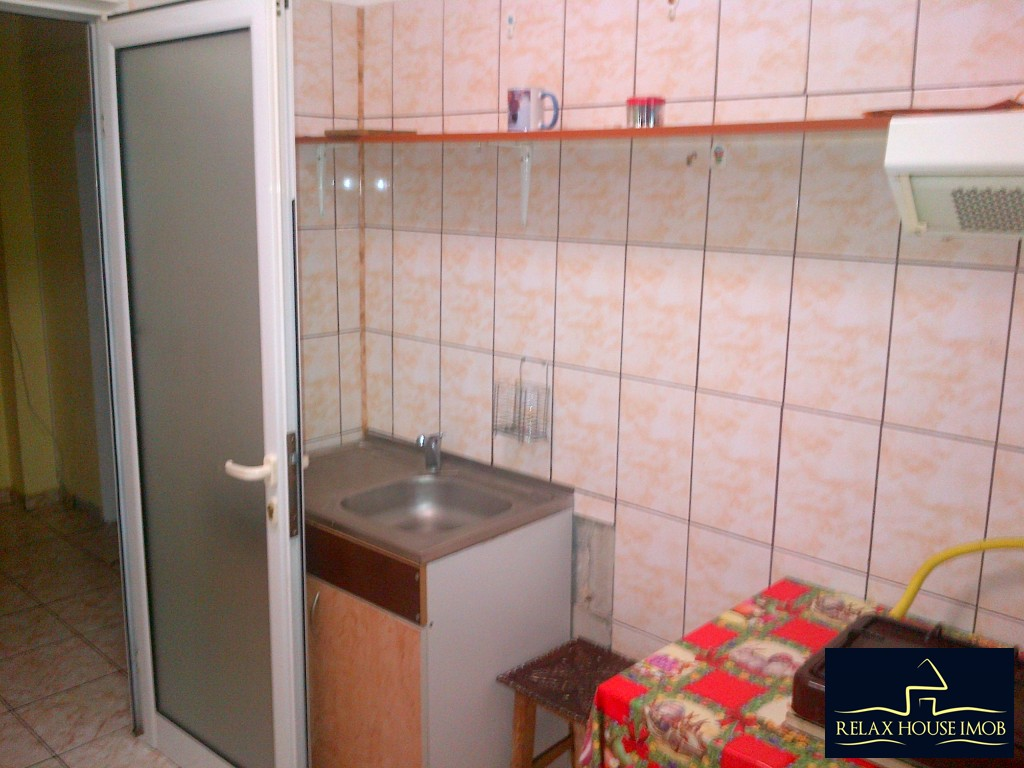 Apartament 2 camere confort 1 semidecomandat, in Ploiesti, zona Malu Rosu stradal-17686-9