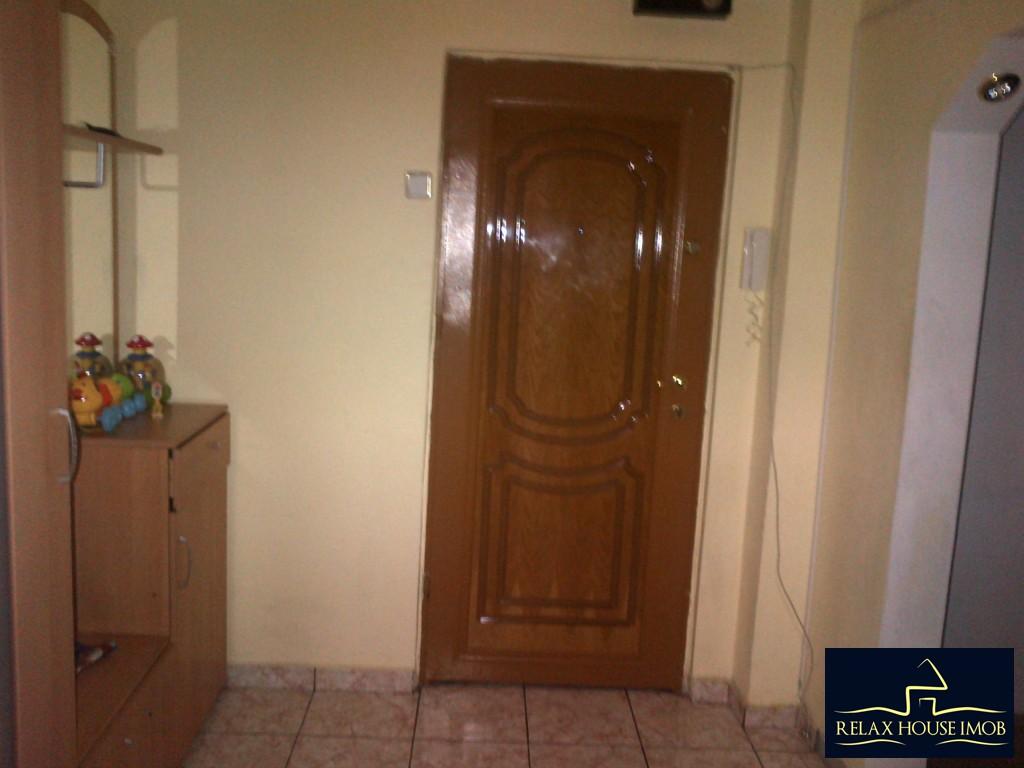 Apartament 2 camere confort 1 semidecomandat, in Ploiesti, zona Malu Rosu stradal-17686-6
