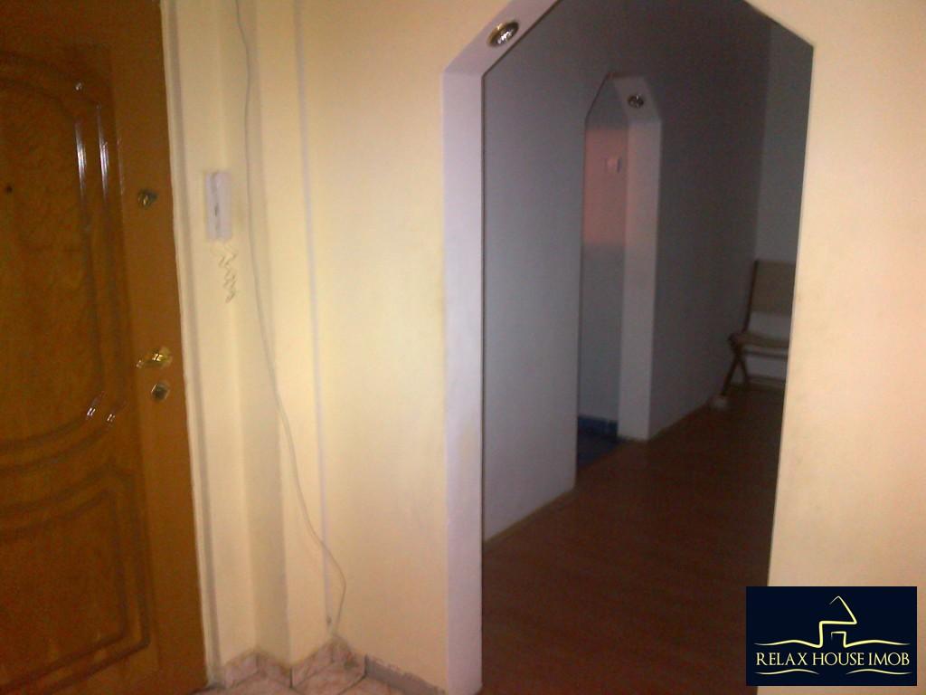 Apartament 2 camere confort 1 semidecomandat, in Ploiesti, zona Malu Rosu stradal-17686-7