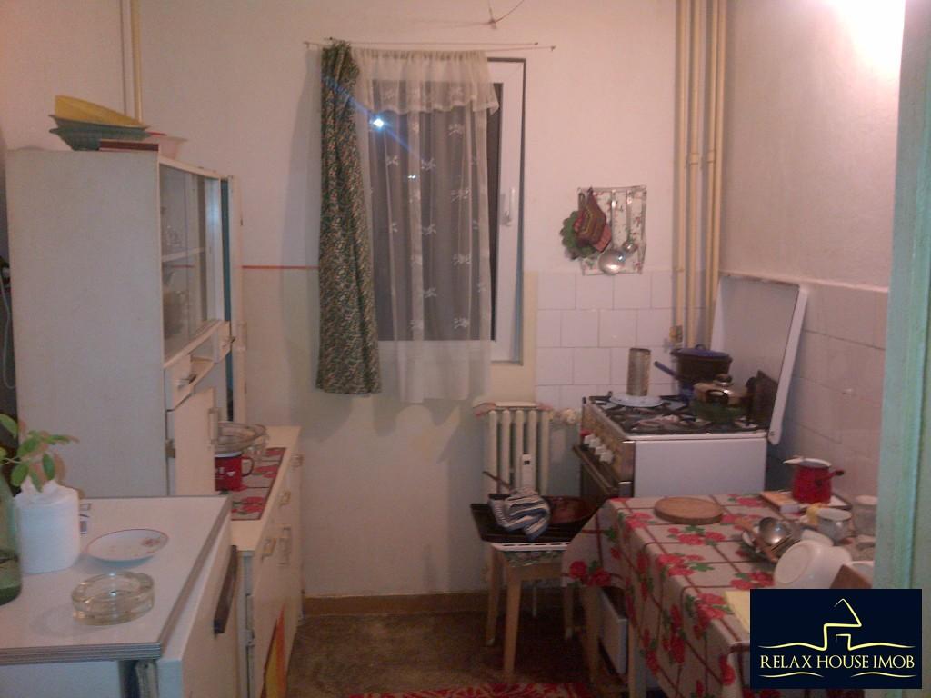 Apartament 4 camere, confort 1 decomandat, in Ploiesti, zona Malu Rosu - Sg. Erou Gh. Mateescu-19362-5