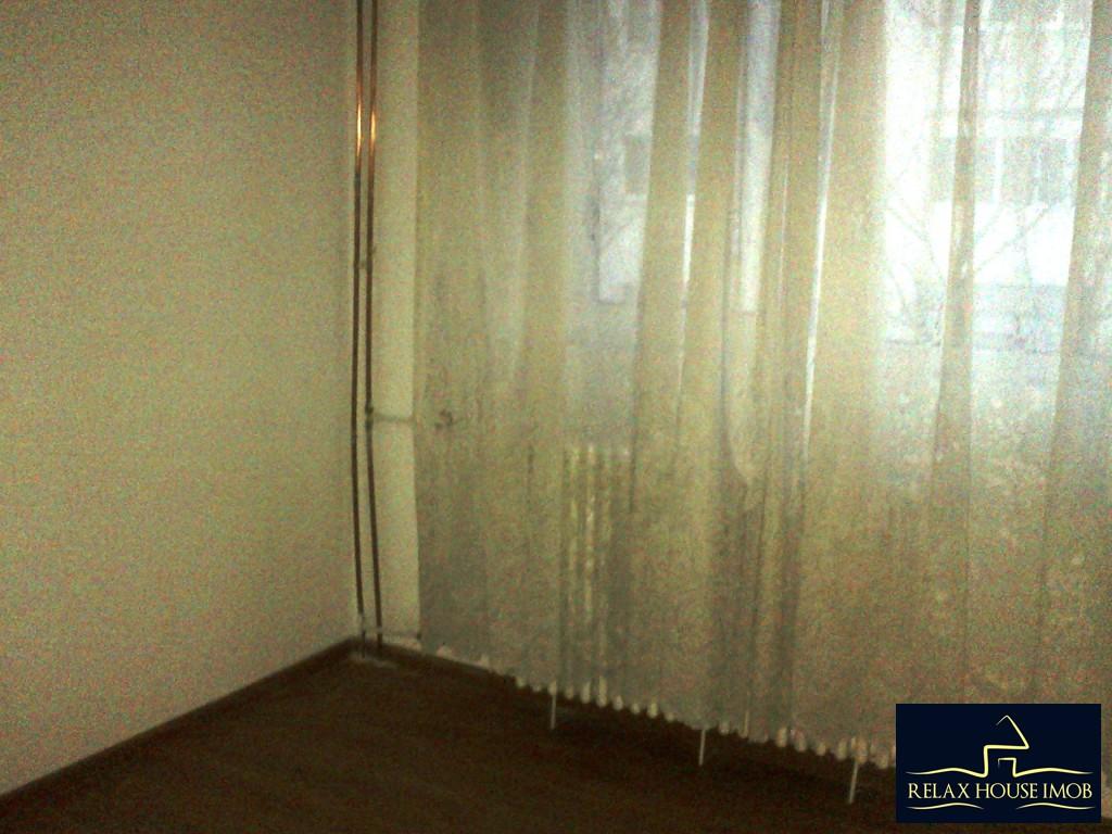 Apartament 4 camere, confort 2, semidecomandat, in Ploiesti, zona Malu Rosu – piata-19332-1
