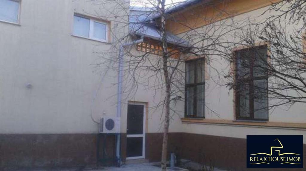 Casa cu 4 camere in Ploiesti, zona centrala a orasului.-19537-0