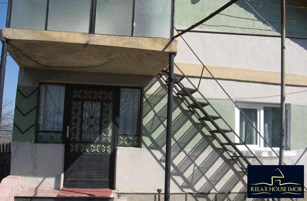 Casa, p+1, in comuna Pacureti, la 30 Km de Ploiesti-17677-0