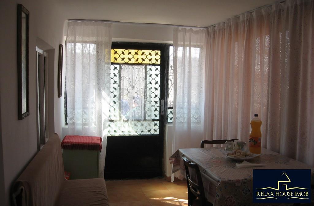 Casa, p+1, in comuna Pacureti, la 30 Km de Ploiesti-17677-8