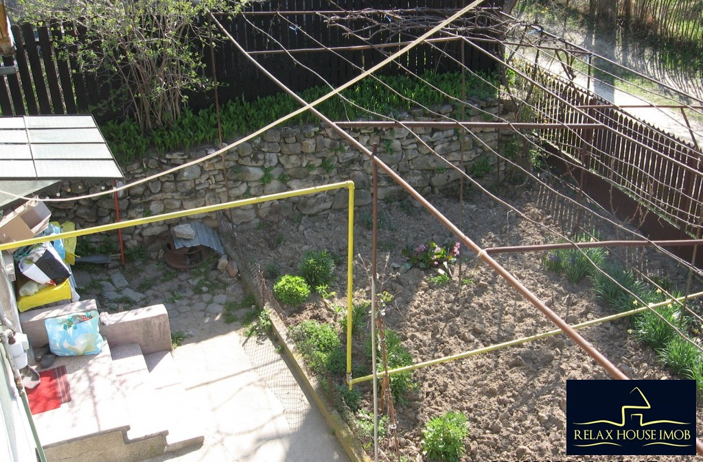Casa, p+1, in comuna Pacureti, la 30 Km de Ploiesti-17677-17