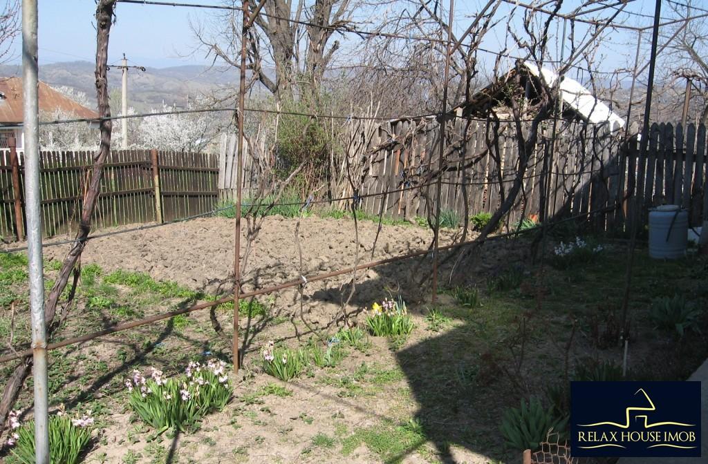 Casa, p+1, in comuna Pacureti, la 30 Km de Ploiesti-17677-21