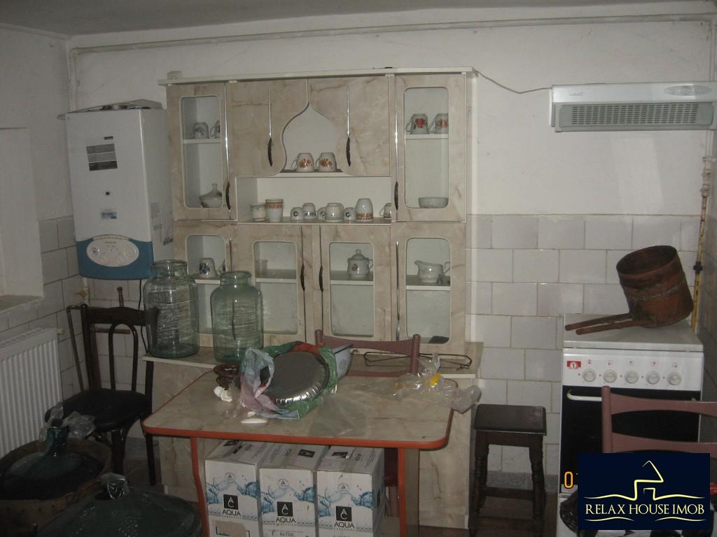 Casa 6 camere in Ploiesti, zona cartierului Bereasca-17806-8