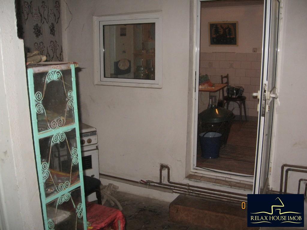 Casa 6 camere in Ploiesti, zona cartierului Bereasca-17806-9
