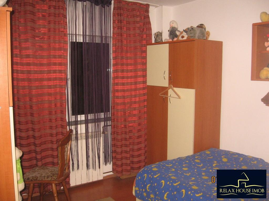 Apartament 3 camere confort 1 semidecomandat, in Ploiesti, zona Enachita Vacarescu - Vitejilor-17804-3