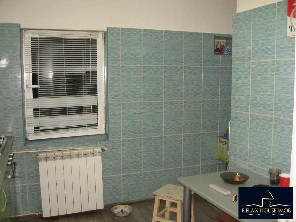 Apartament 3 camere confort 1 semidecomandat, in Ploiesti, zona Enachita Vacarescu - Vitejilor-17804-8