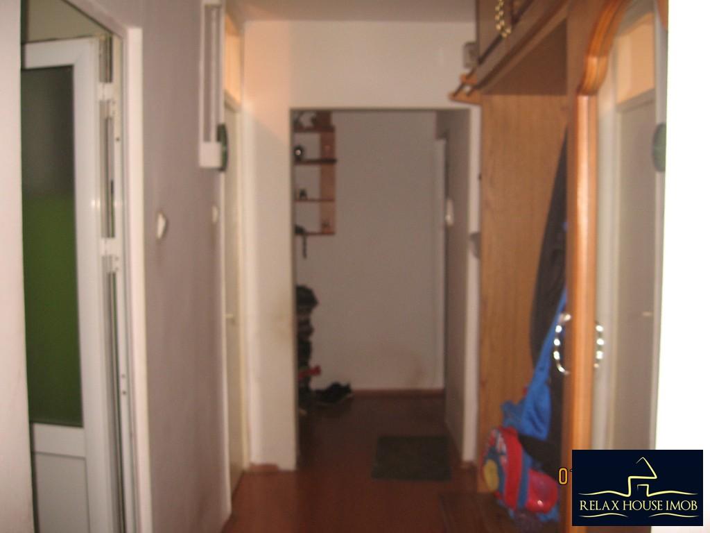 Apartament 3 camere confort 1 semidecomandat, in Ploiesti, zona Enachita Vacarescu - Vitejilor-17804-4
