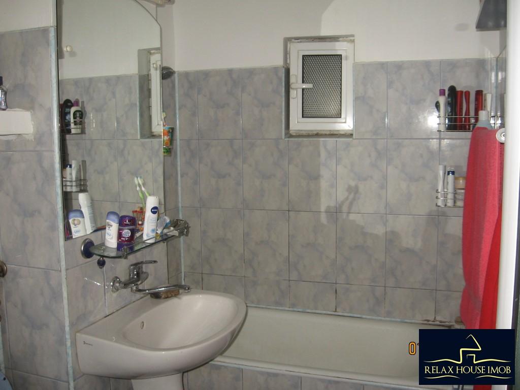 Apartament 3 camere confort 1 semidecomandat, in Ploiesti, zona Enachita Vacarescu - Vitejilor-17804-9