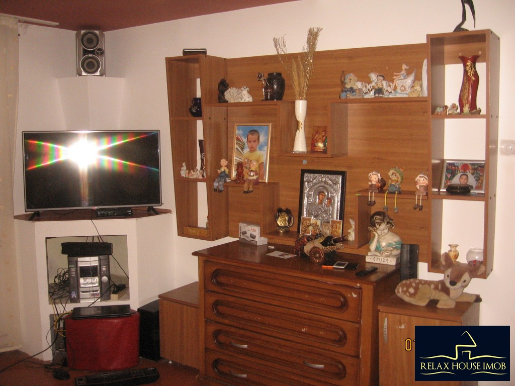 Apartament 3 camere confort 1 semidecomandat, in Ploiesti, zona Enachita Vacarescu - Vitejilor-17804-0