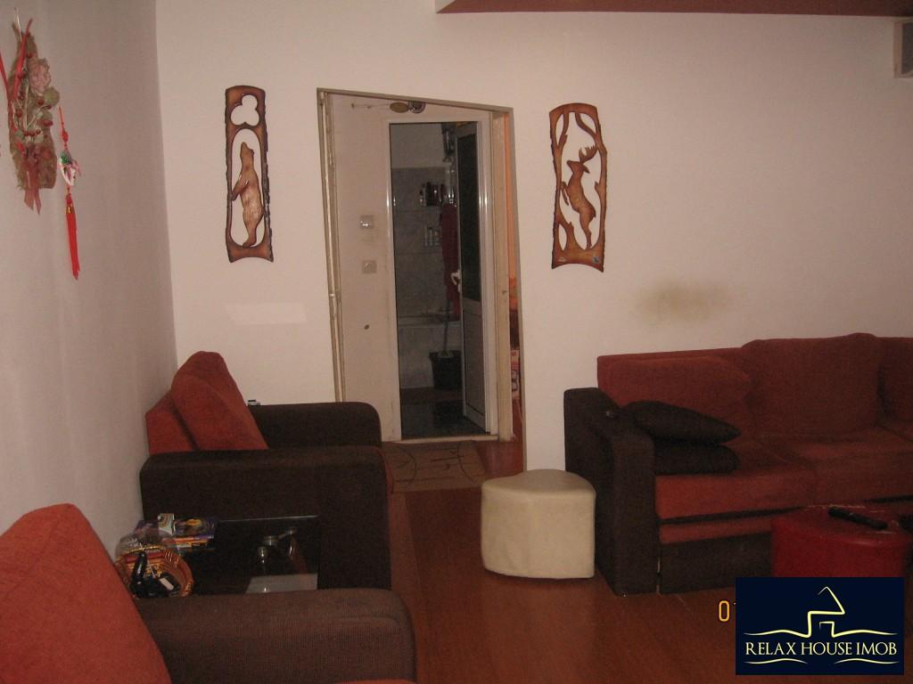 Apartament 3 camere confort 1 semidecomandat, in Ploiesti, zona Enachita Vacarescu - Vitejilor-17804-2