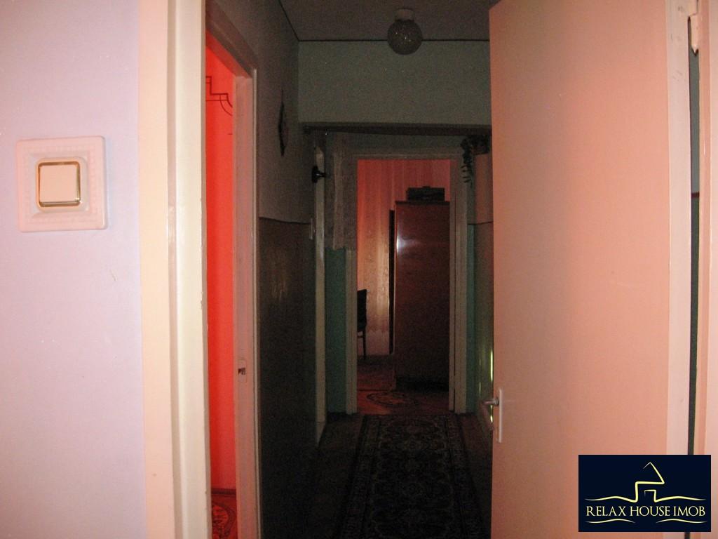 Apartament 3 camere confort 1 semidecomandat, in Ploiesti, zona Vest - Lacul Balea-17843-4
