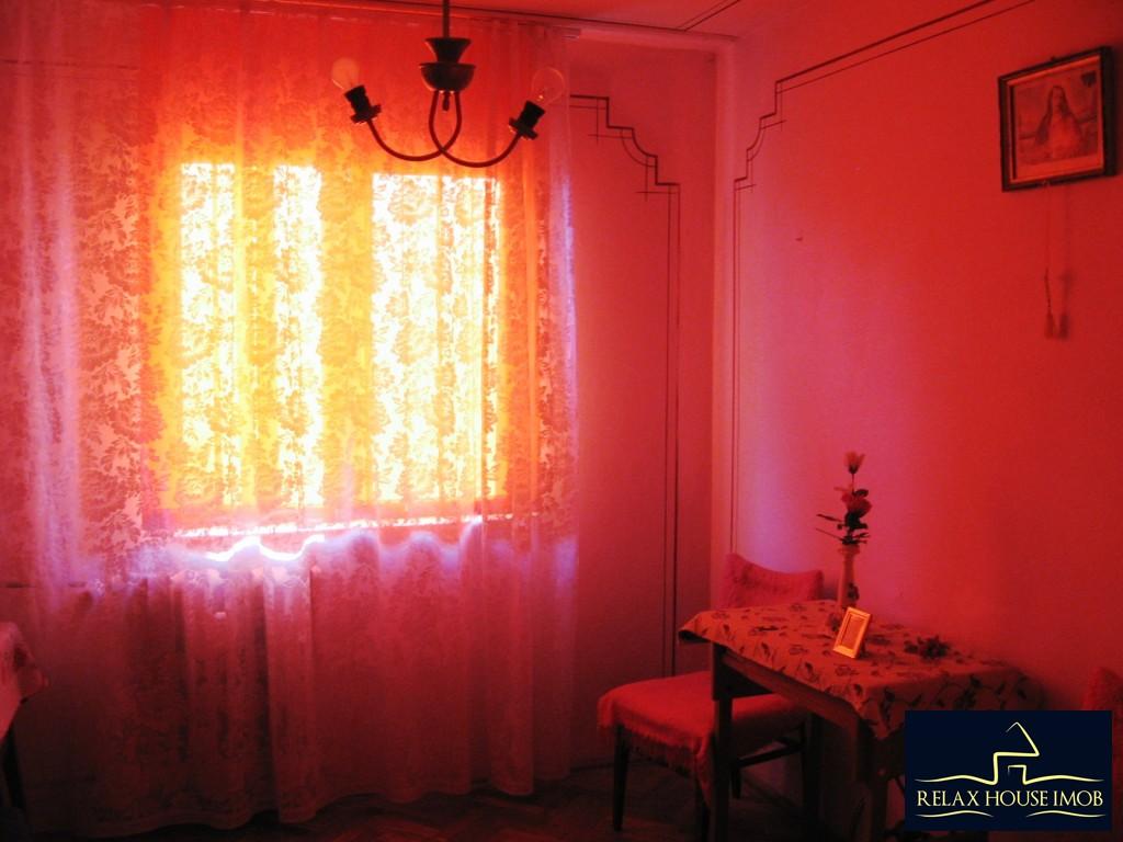 Apartament 3 camere confort 1 semidecomandat, in Ploiesti, zona Vest - Lacul Balea-17843-6