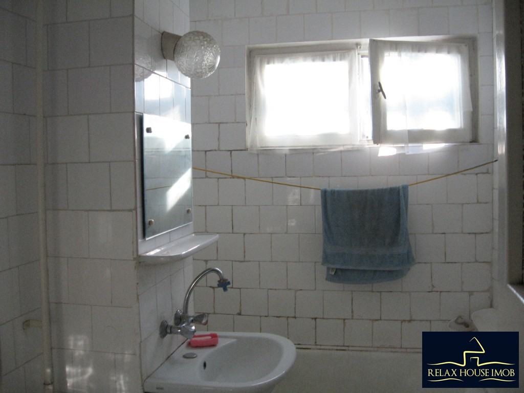 Apartament 3 camere confort 1 semidecomandat, in Ploiesti, zona Vest - Lacul Balea-17843-18