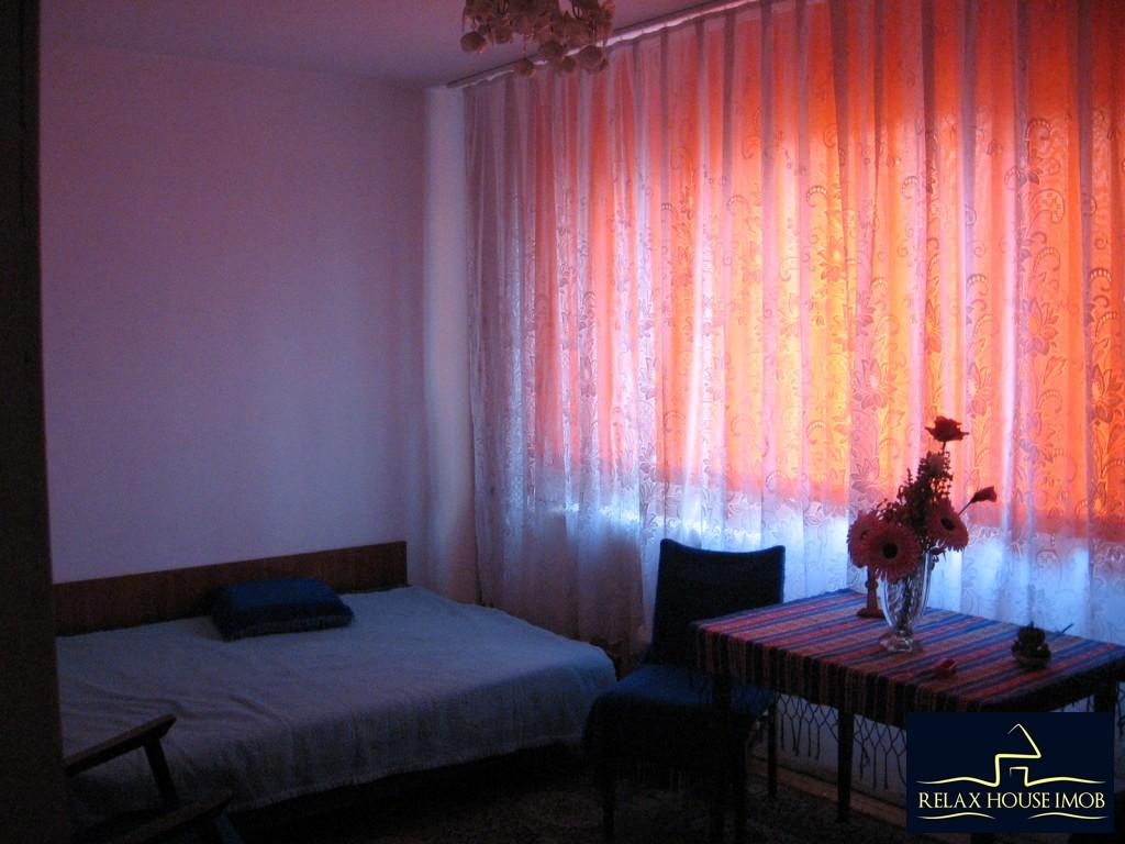 Apartament 3 camere confort 1 semidecomandat, in Ploiesti, zona Vest - Lacul Balea-17843-7
