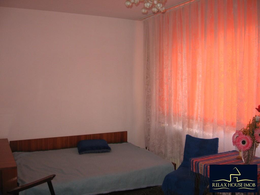 Apartament 3 camere confort 1 semidecomandat, in Ploiesti, zona Vest - Lacul Balea-17843-8