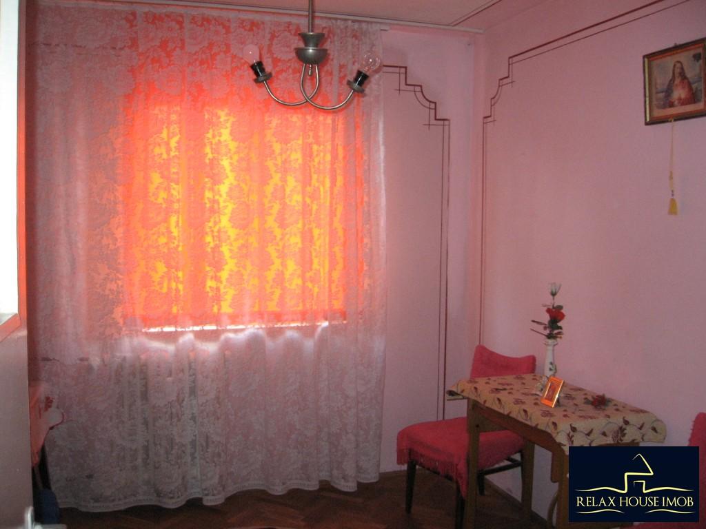 Apartament 3 camere confort 1 semidecomandat, in Ploiesti, zona Vest - Lacul Balea-17843-10