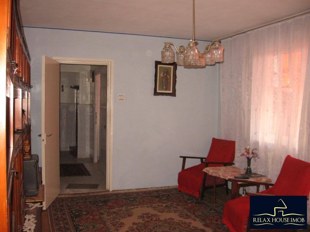 Apartament 3 camere confort 1 semidecomandat, in Ploiesti, zona Vest - Lacul Balea-17843-11