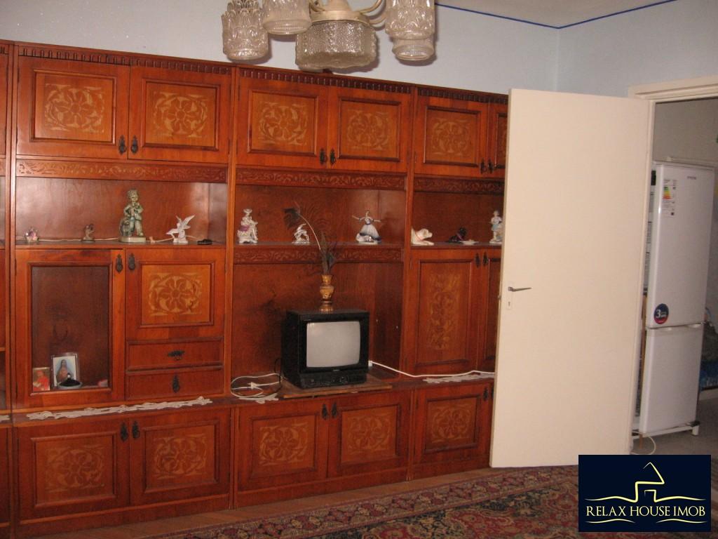 Apartament 3 camere confort 1 semidecomandat, in Ploiesti, zona Vest - Lacul Balea-17843-0