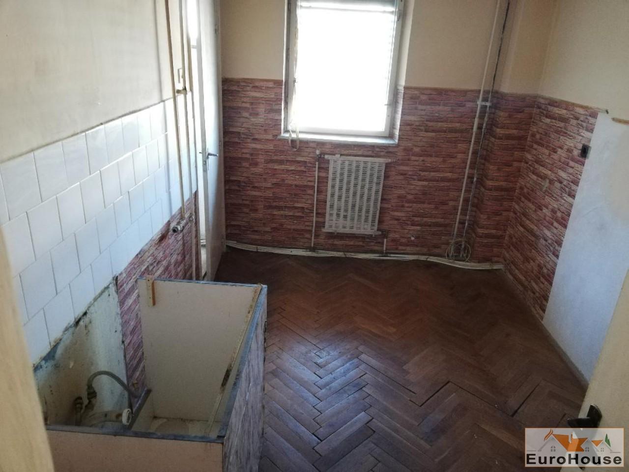 De vanzare aprtament 3 camere decomandat Alba Iulia-34342-