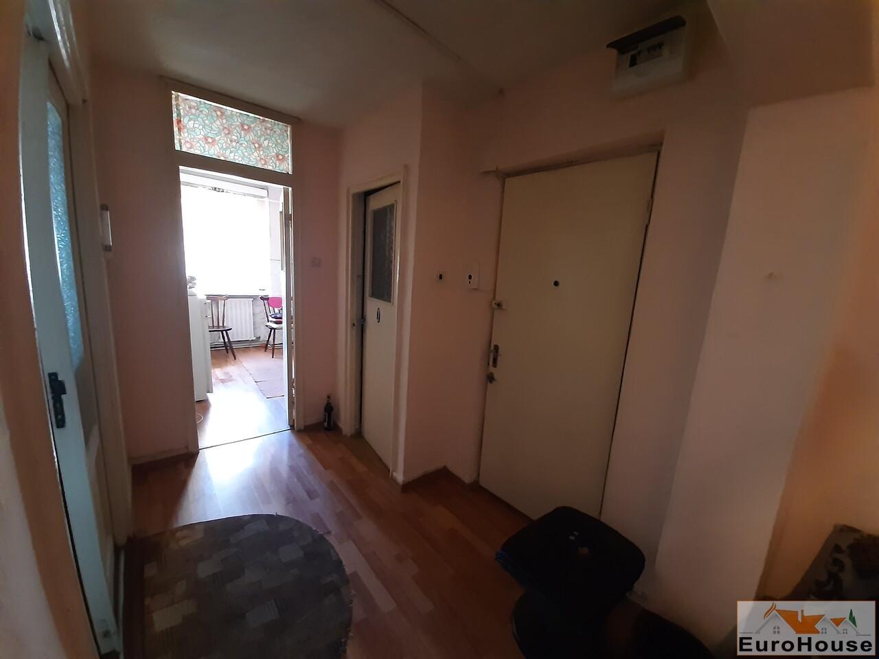 Apartament cu 3 camere de vanzare in Alba Iulia -34932-