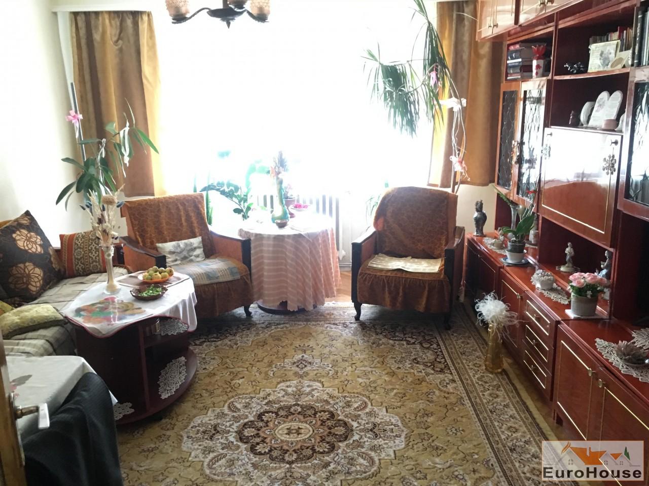 Apartament de vanzare 3 camere  Alba Iulia-34140-
