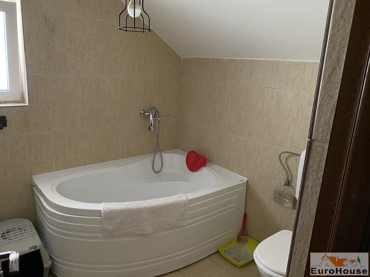 Apartament cu 4 camere de vanzare in Alba Iulia-34812-