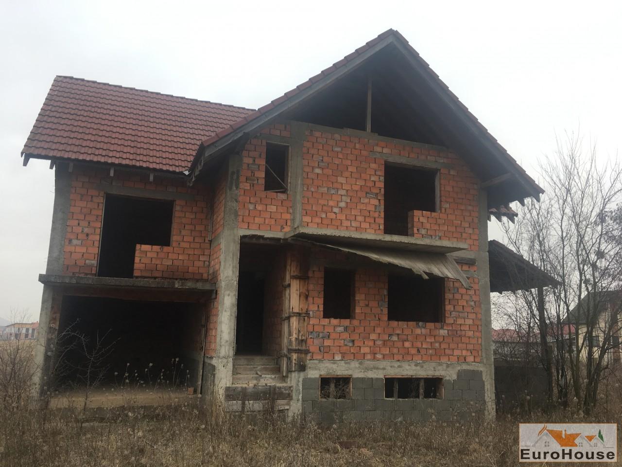 Casa la rosu  de vanzare in Alba Iulia -33905-