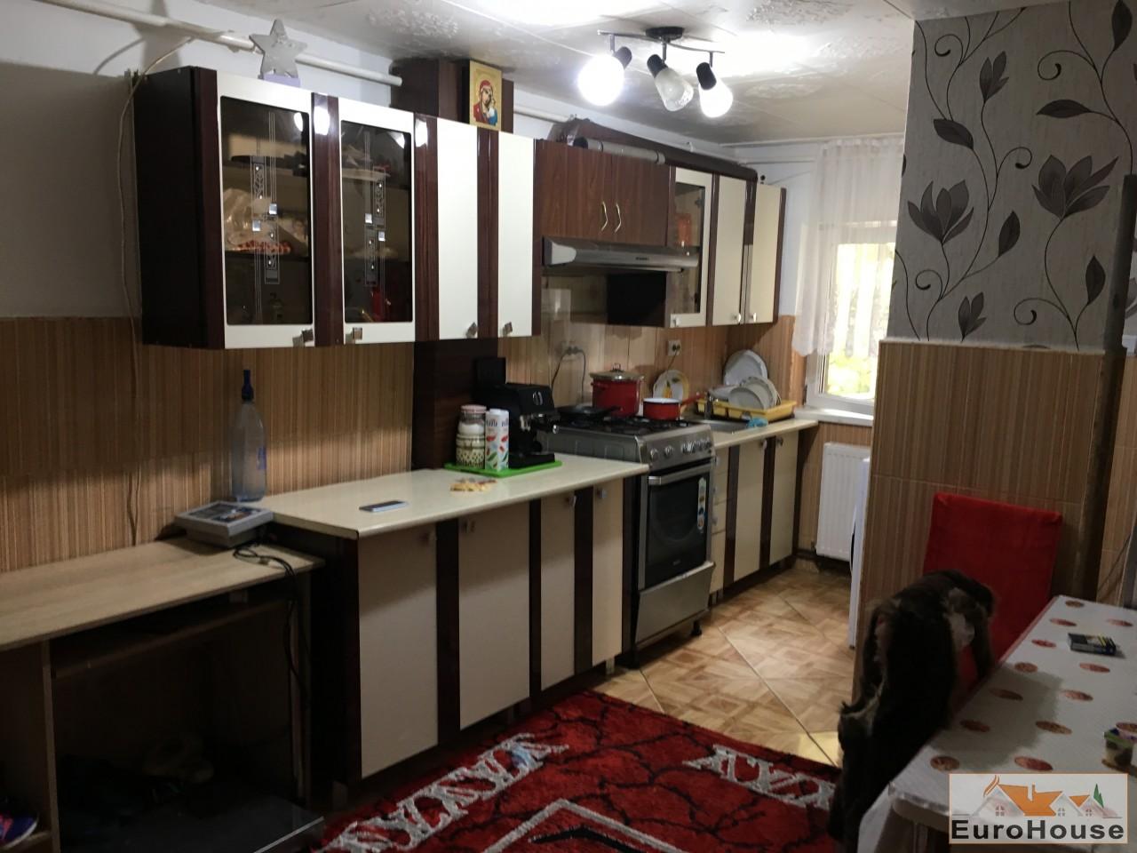 Apartament de vanzare 3 camere  Alba Iulia-33999-