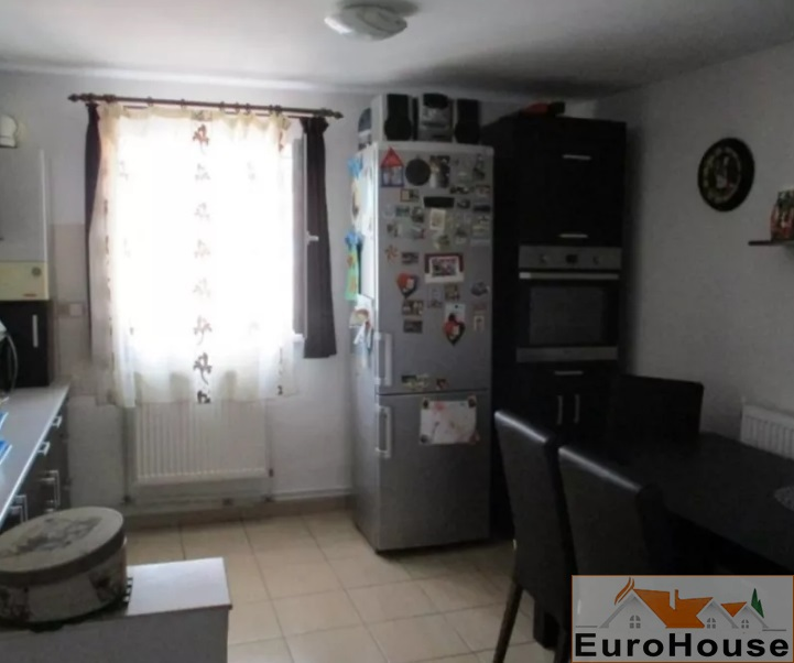 Apartament 2 camere de vanzare Alba Iulia -33807-