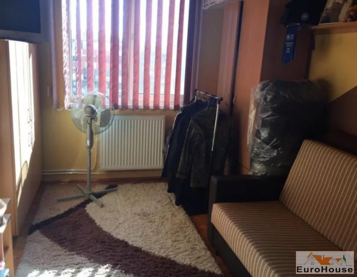 Apartament de vanzare 3 camere  Alba Iulia-34082-