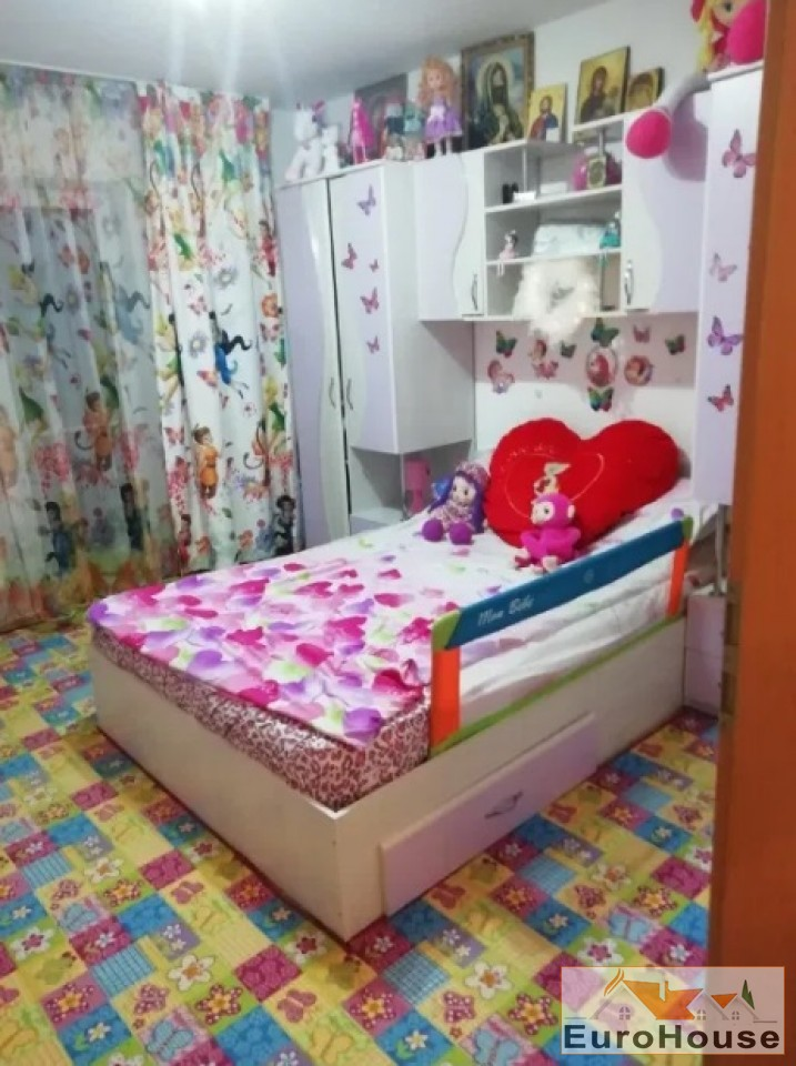 Apartament 3 camere de vanzare Alba Iulia -34318-