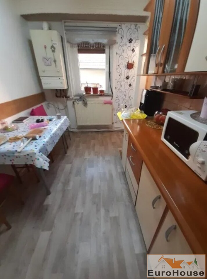 Apartament cu 3 camere de vanzare in Alba Iulia-35168-