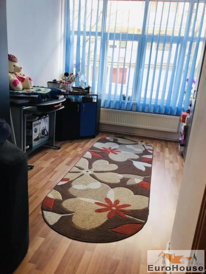 Apartament cu 3 camere de vanzare in Alba Iulia-34926-