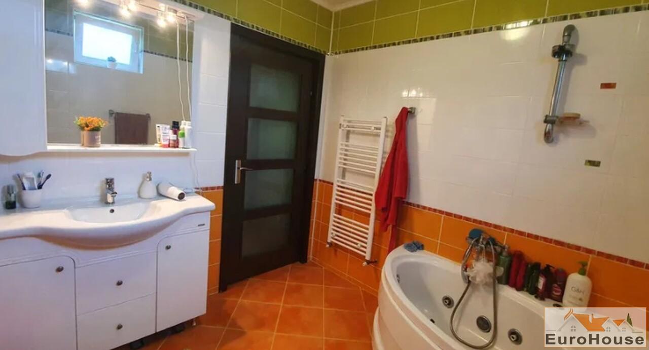 Apartament cu 3 camere de vanzare in Alba Iulia-35105-