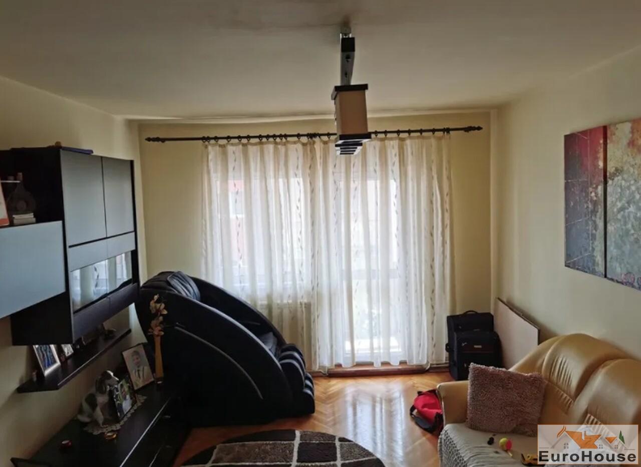 Apartament cu 3 camere de vanzare in Alba Iulia-35125-