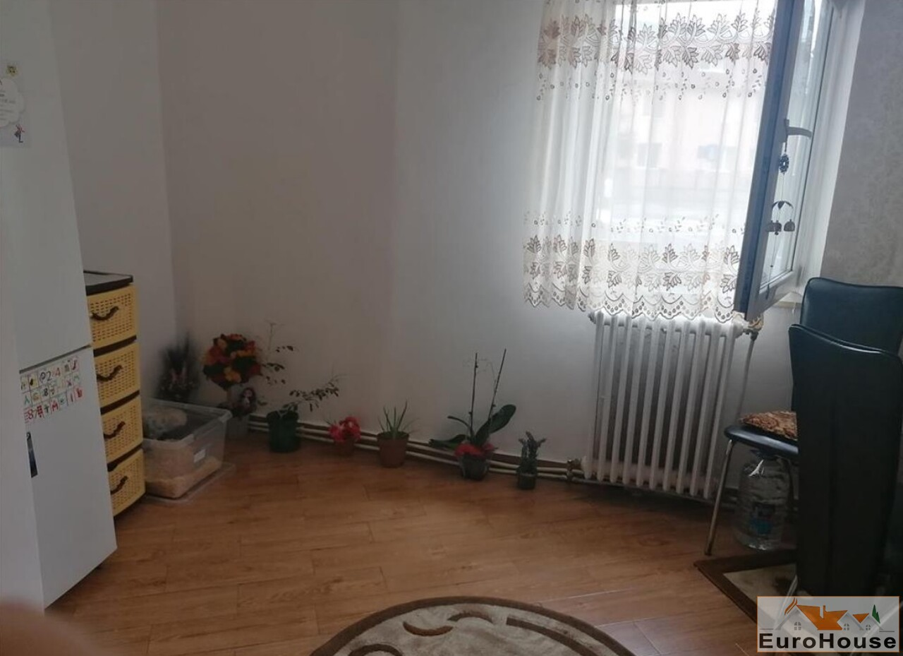 Apartament cu 2 camere de vanzare in Alba Iulia -35128-
