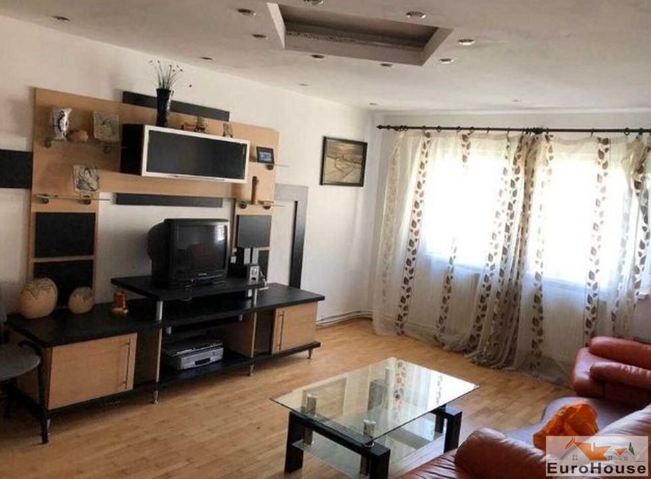 Apartament cu 4 camere de vanzare in Alba Iulia-35131-