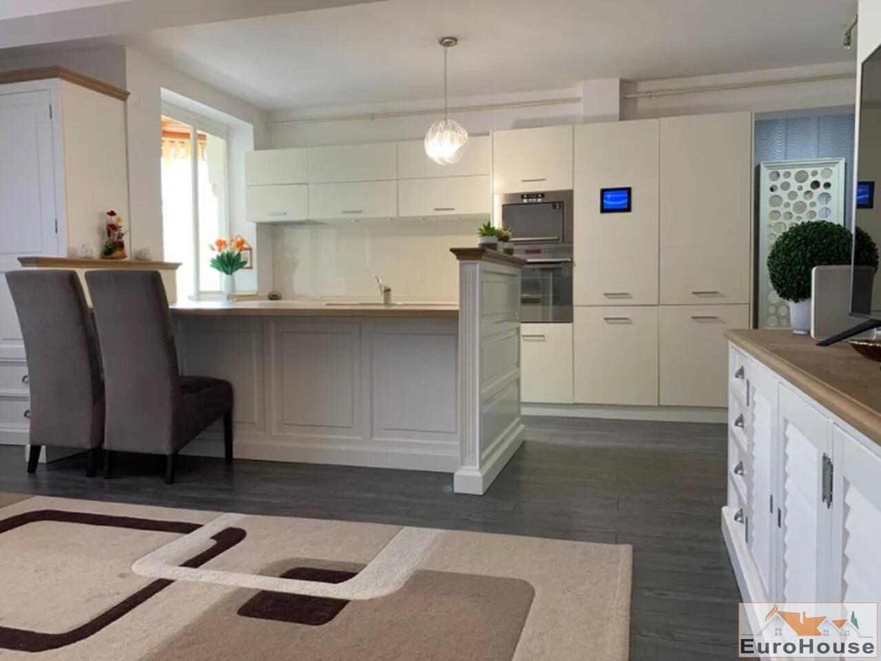 Apartament cu 3 camere de vanzare in Alba Iulia-35146-